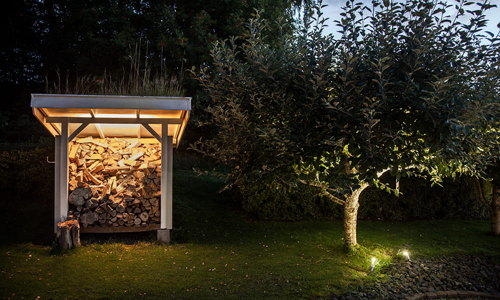 LEDstrip solution from Hidealite creates atmospheric lighting in a garden.